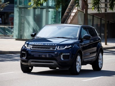 renting land rover range rover evoque 2